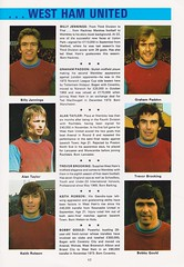 West Ham United vs Fulham - FA Cup Final - 1975 - Page 17 (The Sky Strikers) Tags: west ham united fulham fa cup final road to wembley empire football association challenge competition official souvenir programme 20p