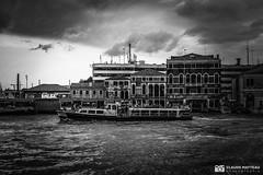 190703-054 Venise (clamato39) Tags: venise italie italy canal eau water ciel sky voyage trip europe olympus blackandwhite noiretblanc bw monochrome urban urbain city ville