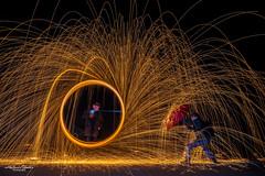 Im Feuerregen | In the fire rain (AnBind) Tags: nacht nachfotografie lichtzeichnen lightpainting 2s19 stahlwolle fotostammtisch lightwriting technik steelwool lichtmalerei licht nachaufnahme langzeitbelichtung light