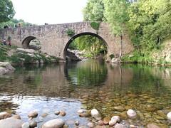 Garganta de Cuartos, Losar de la Vera, Cáceres (Pepe Rodríguez Cádiz) Tags: puente reflejos garganta caceres rio arcos extremadura agua bridge brücke
