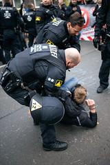 ndihgj999999 (Felix Dressler) Tags: hannover demonstration npd pressefreiheit polizei blockade antifa protest