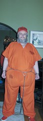 IMG_3533A (180g895.ercf) Tags: eaglerockcorrectionalfacility ercf halloween inmates orange prison uniforms plimsolls canvase prisoners shackles connectingchain bellychain handcuffs waistchain sneakers urbanoutfittersplimsolls urbanoutfitterssneakers eaglerock correctionalfacility restraints cuffs bellychainwithcuffs inmate inmateuniform prisoner convict