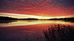 Lever du jour sur la rivière Saguenay 30-09-19 (gaudreaultnormand) Tags: calme chicoutimi leverdesoleil longexposure longueexposition reflets saguenay sunrise