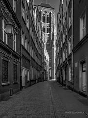 """Kaletnicza street (JerzyC) Tags: poland gdaå""""sk oldtown photography blackandwhitephotography architecture church city gdańsk"""