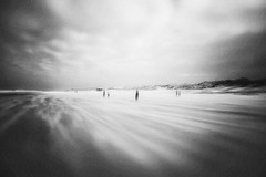 3481 (Elke Kulhawy) Tags: himmel holland netherland clouds coast küste landscape landschaft light verschwommen unscharf kunst art surreal surrealismus blackandwhite bnw bw bwphotographie bnwbw monochrome monochromes meer melancholie monchrome leise cilence
