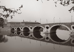 Reflection (Maxofmars) Tags: france francia europe europa ville city ciudad città stadt cidade stad fleuve rio river fiume fluss pont bridge brücke puente ponte brug garonne