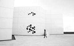 (cherco) Tags: woman mujer monochrome minimalism walk movement alone lonely composition canon composicion city canoneos5diii cordoba museum architecture arquitectura movimiento silhouette white future urban blackandwhite markiii surrealism