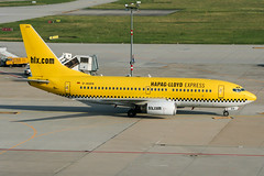D-AGEN (PlanePixNase) Tags: stuttgart str edds echterdingen airport aircraft planespotting hlx boeing 737 737700 hapaglloyd express b737