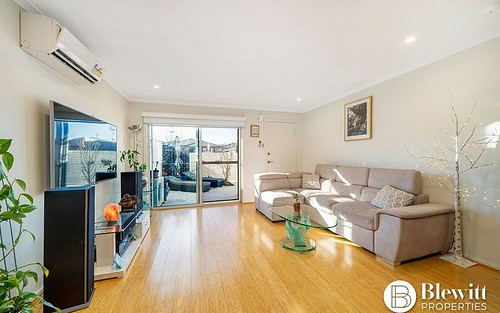 33/8 Ken Tribe Street, Coombs ACT 2611