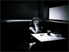 Sometimes sadness comes | Às vezes vem a tristeza (marialourenzo) Tags: portrait woman sadness grief sorrow mujer retrato tristeza muller tristura mágoa bar blackandwhite bw byn blancoynegro phoneography