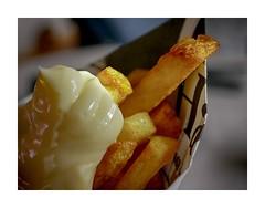 Pommes Mayo (BeMo52) Tags: bag frenchfries küche kitchen macro mainmeal makro mayonnaise newspaper paperbag pommesfrites tüte hss