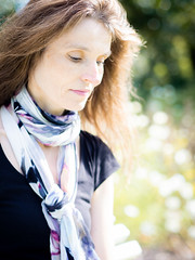 Mariëlle, Dorset 2019: Dreamy mood (mdiepraam) Tags: marielle dorset 2019 kingstonlacy nationaltrust portrait pretty gorgeous attractive mature fiftysomething brunette woman lady milf elegant classy scarf