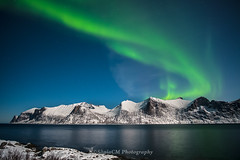 Northern Lights (Sònia CM) Tags: fuji fujifilm fujinon xt2 fujixt2 samyang12mm 12mm sea sky seascape nature naturaleza night nighshot nightscape nit northerlights northernlights norway senja landscape longexposure largaexposicion llargaexposicio auroraboreal auroraborealis winter water waterscape snow
