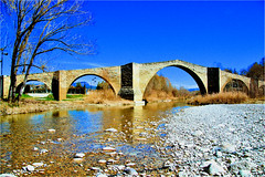 roman bridge 1 (atsjebosma) Tags: romanbridge old brug romeinse spain spanje blue sky atsjebosma 2019 lonelyplace rio isabena