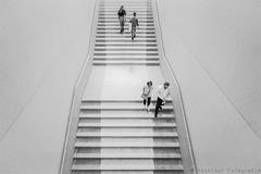 ups and downs (henny vogelaar) Tags: germany berlin museum neuesmuseum stairs people bw architecture davidchipperfield hennyvogelaarfotografie
