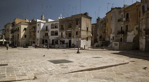 Piazzetta di entrata a Bari vecchia