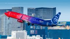 "ALASKA AIRLINES ""MORE TO LOVE"" B737-990(ER) (lavierphilippephotographie) Tags: alaskaairlines moretolove boeing b737 b739 b737990er las klas lasvegas avion plane airplane airline airliner"