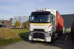 Renault hd001 ckz42a Van Der Bas B.V. met kenteken 40-BJL-4 in Mill 24-11-2019 (marcelwijers) Tags: renault hd001 ckz42a van der bas bv met kenteken 40bjl4 mill 24112019 lkw camion truck trucks vrachtwagen vrachtauto nederland niederlande netherlands pays