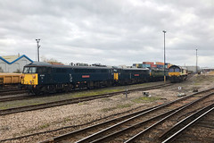 87002 & 86101, Eastleigh, November 20th 2019 (Southsea_Matt) Tags: 87002 86101 86201 e3191 al6 englishelectric brel class87 eastleigh hampshire england unitedkingdom november 2019 autumn train railway railroad electriclocomotive transport vehicle serco caledoniansleeper