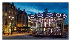 Le manège (Jean-Louis DUMAS) Tags: nuit lumière nightshot night théâtre bordeaux tourisme tramway place lumières light ville town people travel trip voyage