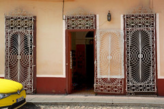 Ceramica (emerge13) Tags: architecture colonialarchitecture cuba mgcars trinidadsanctispirituscuba architecturedetails architectureheritage streets