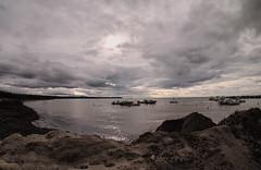 mare d inverno 1 (frastebio) Tags: mare onde cielo nuvole barche alghe costa litorale sabbia