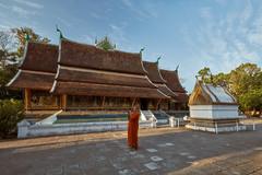 Luang Prabang – Wat Xiengthong (Thomas Mulchi) Tags: luangprabang laos 2019 wat people person mon man temple buddhisttemple buddhism