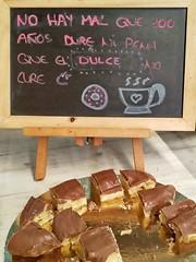 Sabiduría popular (Micheo) Tags: spain españa refrán dulces sweets comida food merienda confectionery palmeradechocolate bandejita degustación