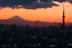 Mt Fuji and Tokyo Skytree (sumi!) Tags: アイリンク tokyo chiba japan mtfuji skytree panorama cloud clouds sunset magichour goldenhour city
