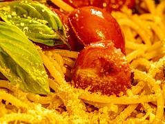 LA MIA PASSIONE. MY PASSION. (FRANCO600D) Tags: mainmeal hmm macromondays spaghetti spaghettialpomodoro pomodoro tomato spaghettiwithtomato primopiatto primo cibo canon eos6dmarkii 6dmarkii canoneos6dmarkii canon6dmarkii franco600d macro macrofotografia