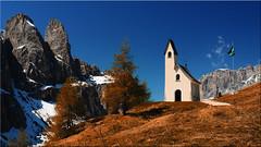 The San Maurizio Chapel on the Gardena Pass in South Tyrol (Ostseetroll) Tags: geo:lat=4654963680 geo:lon=1180659200 geotagged grödnerjoch ita italien südtirolaltoadige wolkenstein dolomiten alpen kapelle chapel jëufdefrea passogardena judefrara olympus em10markii cappelladisanmaurizio sanmauriziokapelle wolkensteinselva trentinoaltoadige