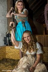 IMG_5658_kl (fotografie.rainer) Tags: portrait model femalemodel spass fun shooting fotoshooting indoor heu heugabel dirndl scheune lächeln blonde langehaare trier rheinlandpfalz deutschland germany fotografierainer