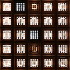 Count the squares (Anne*°) Tags: ©annedhuart échiquier 2014 bruxelles carrés ceiling check garecentrale lignesurbaines plafond squares station urban wwwannedhuartcom bsquare geometry