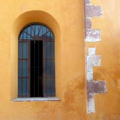 """get thee to a nunnery"" (msdonnalee) Tags: windowdetail windowandwalldetail window convent nunnery templodelasmonjas photosfromsanmigueldeallende photosbydonnacleveland yellow méxico mexique mexiko amarillo amarelo jaune gelb janela fenster finestra fenêtre ventana brick"