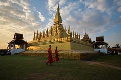 That Luang (fredMin) Tags: that luang asie travel monks buddhism buddha voyage laos lao vientiane fujifilm xt2