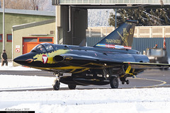 21 - Saab J35OE Draken - Austrian Air Force (KarlADrage) Tags: 21 saabj35 j35oe j35draken draken austrianairforce loxz zeltwegab dragonknights drakenflyoutceremony captmichaelkimkirchner