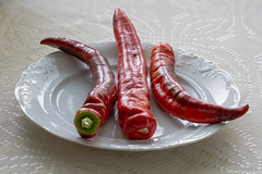 Asetelma, Still life (IMG_0286PSLR) (pohjoma) Tags: kasvi paprika asetelma stilllife canoneosrp finland canonef100mmf28lmacroisusm plant vegetable food crop yield harvest closeup