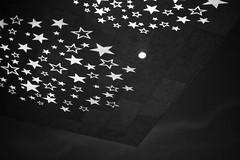 urban stars (Toni_V) Tags: m2402798 rangefinder digitalrangefinder messsucher leicam leica mp typ240 type240 35lux 35mmf14asphfle urban europaallee city architecture night bw blackwhite schwarzweiss monochrome sep2 silverefexpro2 stars sterne sky zurich zürich switzerland schweiz suisse svizzera svizra europe sundaymorningphototour ©toniv 2019 191124
