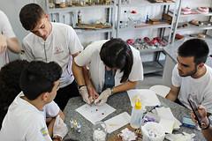 "Aula Prática no Laboratório: Tipagem Sanguínea • <a style=""font-size:0.8em;"" href=""http://www.flickr.com/photos/134435427@N04/49123038326/"" target=""_blank"">View on Flickr</a>"