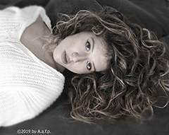 RICCIOLI SCIOLTI (ADRIANO ART FOR PASSION) Tags: ritratto riccioli ricciolisciolti viso capelli portrait hair nikon nikond7200 18200 ragazza modella sguardo bn bw bwimage 52mm adrianoartforpassion fotostudio bellezzasdraiata