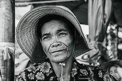 Portrait (fredericpecheux) Tags: portrait nb bw ladie femme chapeau cambodge cambodia canon eos 80d asie asia happyplanet asiafavorites