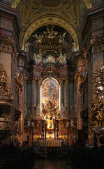 In der Peterskirche in Wien (Wolfgang Bazer) Tags: church st baroque peters peterskirche parish high catholic roman interior kirche altar barock barockkirche kircheninnenraum vienna wien austria österreich antonio martino galli altomonte hochaltar bibiena