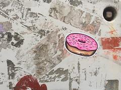 Barnslig (svennevenn) Tags: barnslig donuts stickers bergen gatekunst streetart