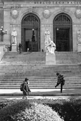 Biblioteca Nacional, Madrid (marioandrei) Tags: ilford hp5 ei400 contax g2 zeiss planar 45mm f2 t kodak hc110