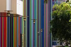 Tour Moretti (Edgard.V) Tags: paris parigi la défense architecture arquitectura architectura couleurs cores colori colors cheminée chimney lareira