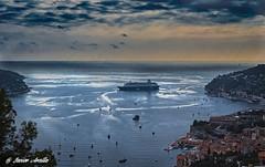 Sovereign. Aparcado en Villefranche. (Javier Arcilla) Tags: mar mediterraneo crucero sovereign cielo nubes paisaje pentaxpentaxk70