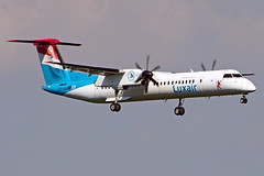 LX-LQA DHC-8-402Q Dash 8 Luxair  Viena 04-09-16 (Antonio Doblado) Tags: airplane aircraft aviation viena airliner aviacion dash dhc bombardier dehavilland dhc8 lxlqa 8 luxair