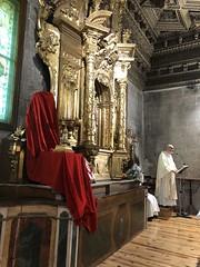 La Reliquia ya entronizada en el retablo.