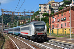 E402 153 I-TI (Maurizio Boi) Tags: treno train zug rail railway railroad ferrovia eisenbahn locomotiva locomotive italy trenitalia iti e402 e402b icn intercitynotte