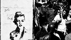 Aimons nous (hkoskas) Tags: france french marseille provence francia franca français marsiglia massilia provencia massalia people south paca personnes hombre hommes sud homme gens région française marseillaise sudest marseillais woman man male men monochrome women noir femme foule femmes hombres signori signore signora signoro street bw white black art tag graf wb nb rue et blanc oeuvre dessins artistique streetart moment